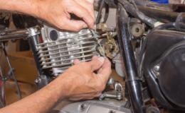 Quels réglages pour une richesse optimale dans un carburateur ?
