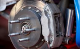 Comment débloquer un étrier de frein à disque ?